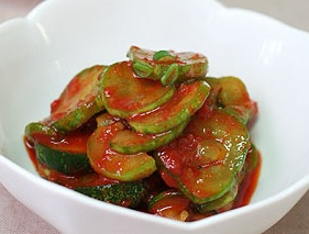 Oi Muchim - Seasoned Spicy Cucumber Salad -오이무침